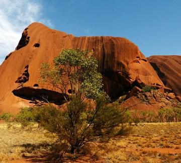 Ayer Rock - eines der markantesten Reiseziele in Australiens Outback